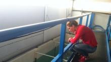 Sous l'oeil attentif de sa marraine triple médaillée olympique à Londres en 2012, sensibilisée à la protection des océans et à la cause des requins - © Photo : Bernard Peyrano