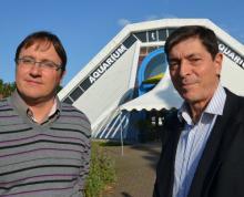 Denis Konnert (à droite), fondateur de l'aquarium, et Frédéric Paul, nouveau directeur salarié