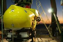 Des chercheurs ont mené 34 plongées dans six canyons sous-marins à l'aide du submersible Pisces, ici en photo avant sa mise à l'eau. © Université d'Hawaï de Manoa